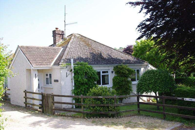 3 Bedrooms Bungalow for sale in Lansdowne Road, Bridport