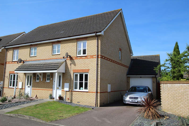 3 Bedrooms Semi Detached House for sale in Titchmarsh Close, Royston