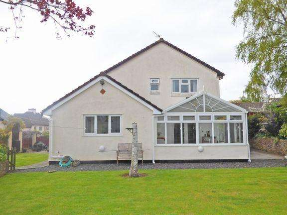 3 Bedrooms Detached House for sale in Williton