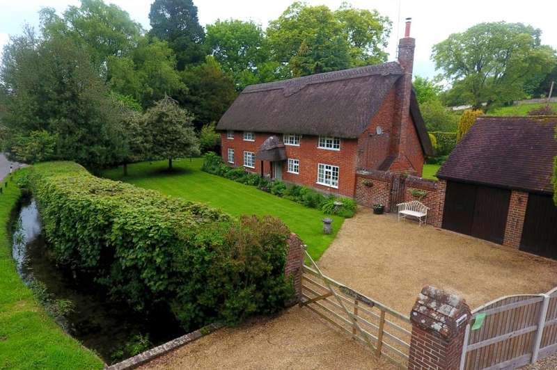 3 Bedrooms Cottage House for sale in Rockbourne, Fordingbridge, SP6 3NA