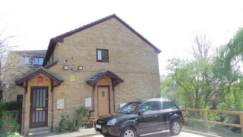 Flat for sale in Statham Grove, Edmonton, London, N18
