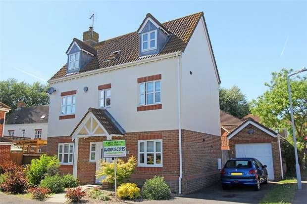 4 Bedrooms Town House for sale in Amber Rise, Sittingbourne, Kent