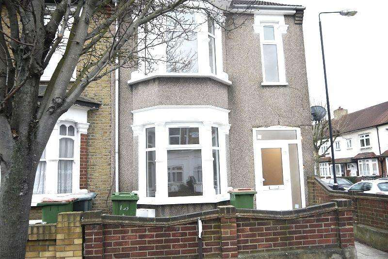 4 Bedrooms Terraced House for sale in Hatherley Gardens, East Ham, London, Greater London. E6 3HD