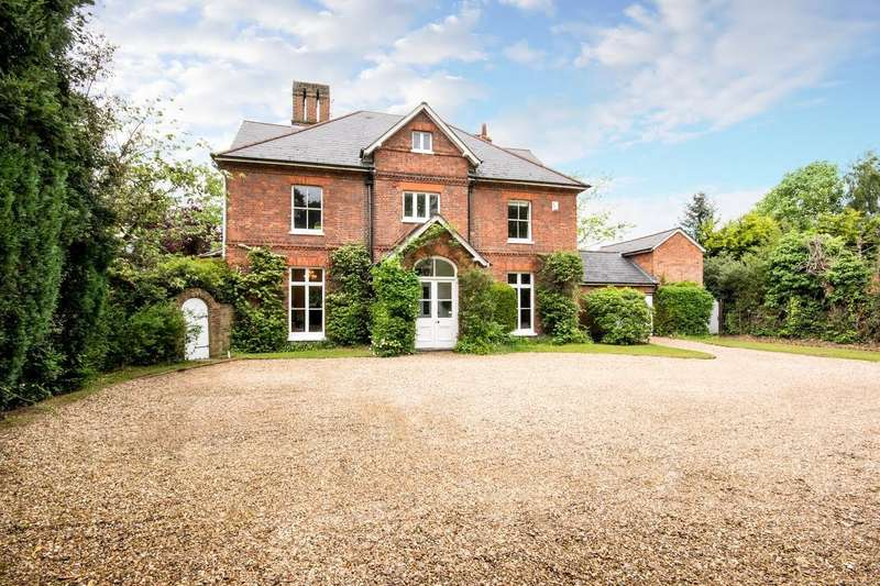 8 Bedrooms Detached House for sale in Weybridge