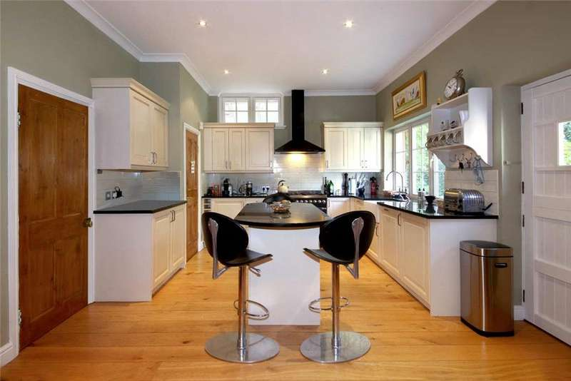 5 Bedrooms Detached House for sale in Burleigh Road, Ascot, Berkshire, SL5