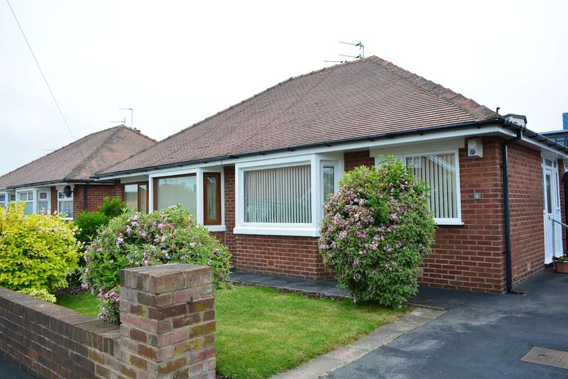 2 Bedrooms Semi Detached Bungalow for sale in Annan Crescent, Blackpool, FY4 4RQ