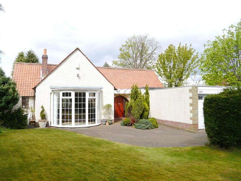 3 Bedrooms Detached Bungalow for sale in Middle Drive, Darras Hall
