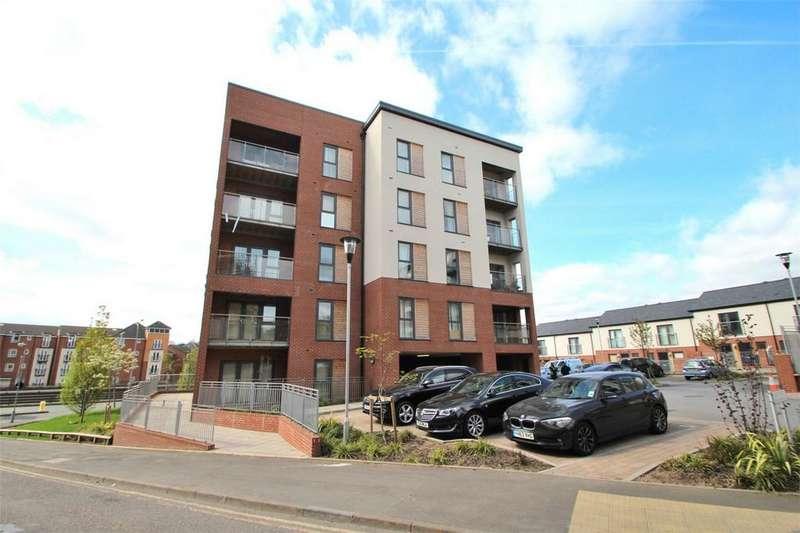 2 Bedrooms Flat for sale in 2 Madison Walk, BIRMINGHAM, West Midlands
