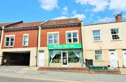 Terraced House for sale in High Street, Kingswood, Bristol