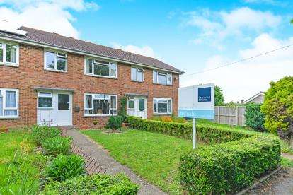 3 Bedrooms Terraced House for sale in Camp Road, Freshwater, Isle Of Wight