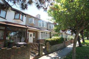 3 Bedrooms Terraced House for sale in Selsdon Road, South Croydon