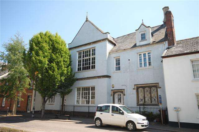 3 Bedrooms Town House for sale in Castle Street, Tiverton EX16