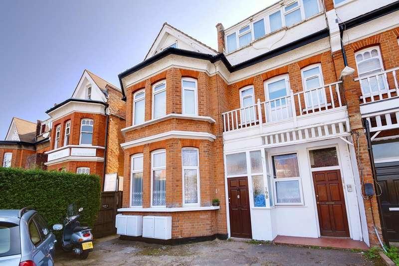 2 Bedrooms Flat for sale in Ballards Lane, Finchley, London, N3