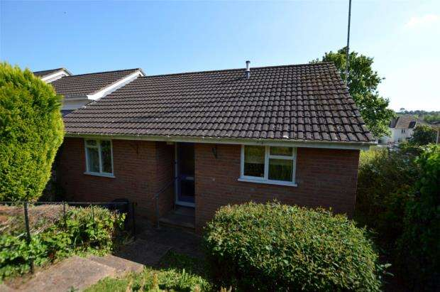 2 Bedrooms Bungalow for sale in Prince of Wales Road, Crediton, Devon