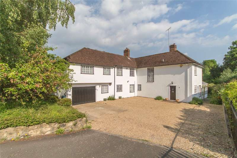 5 Bedrooms Detached House for sale in Lucastes Lane, Haywards Heath