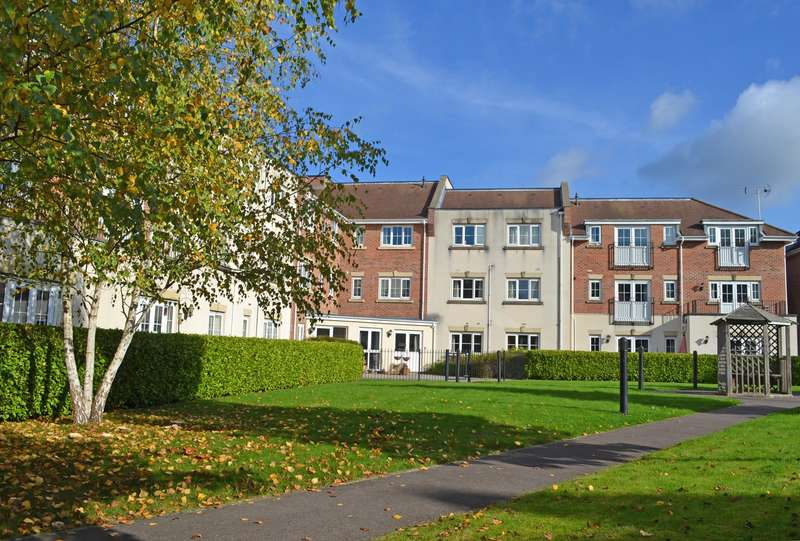 1 Bedroom Flat for sale in Wey House, Spiro Close, Pulborough, West Sussex, RH20