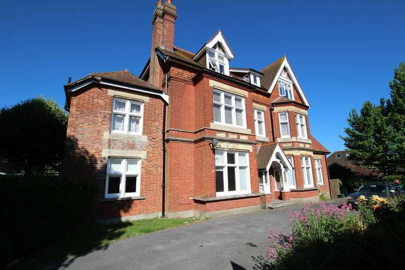 2 Bedrooms Flat for sale in Chesterfield Road, Eastbourne, BN20 7NT