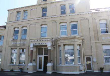 3 Bedrooms Apartment Flat for sale in Carrick Court, Port St Mary, Isle of Man, IM9