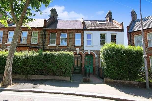 1 Bedroom Flat for sale in Hawarden Road, Walthamstow, London