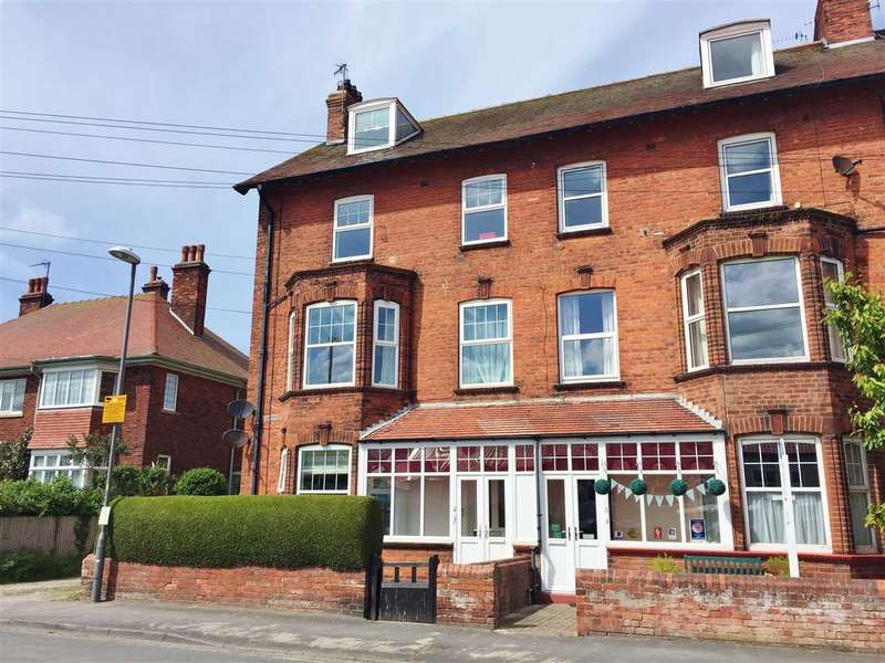3 Bedrooms Apartment Flat for sale in Southdene, Filey