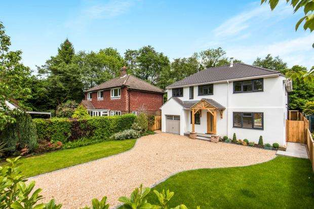 4 Bedrooms Detached House for sale in Pirbright, Woking, Surrey