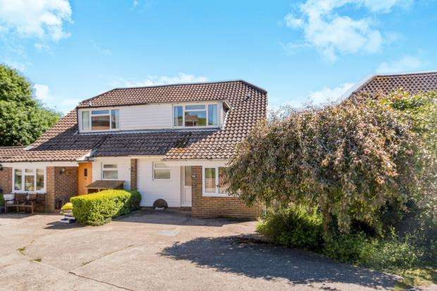 3 Bedrooms Semi Detached House for sale in Fernhurst, West Sussex, United Kingdom