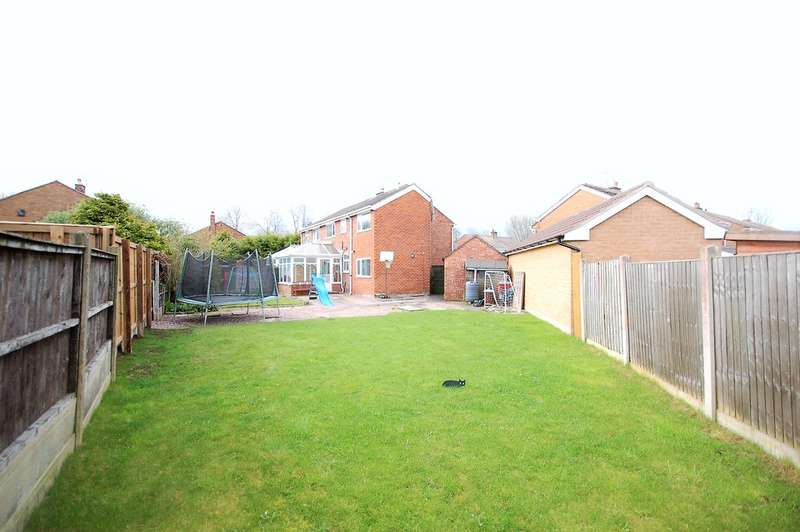 4 Bedrooms Semi Detached House for sale in Hurstmere Avenue, Blackpool