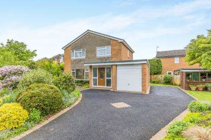 4 Bedrooms Detached House for sale in Murrayfield Drive, Willaston, Nantwich, Cheshire