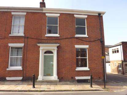 4 Bedrooms End Of Terrace House for sale in Camden Place, Preston, Lancashire, PR1