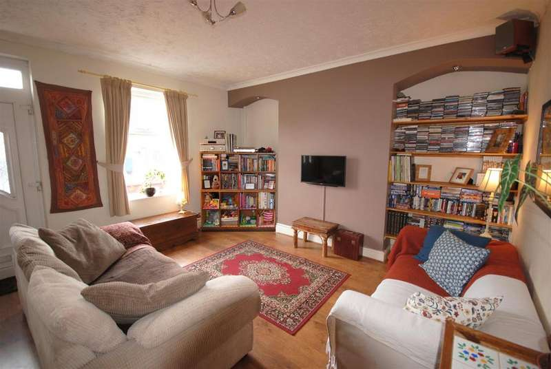 2 Bedrooms Terraced House for sale in Ladies Lane, Hindley, Wigan
