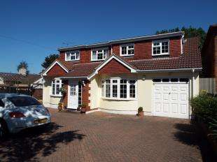 4 Bedrooms Detached House for sale in City Way, Rochester, Kent