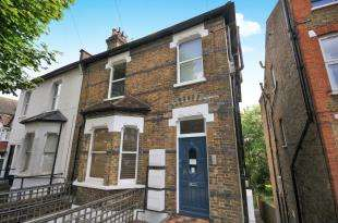 1 Bedroom Flat for sale in Avondale Road, South Croydon, .