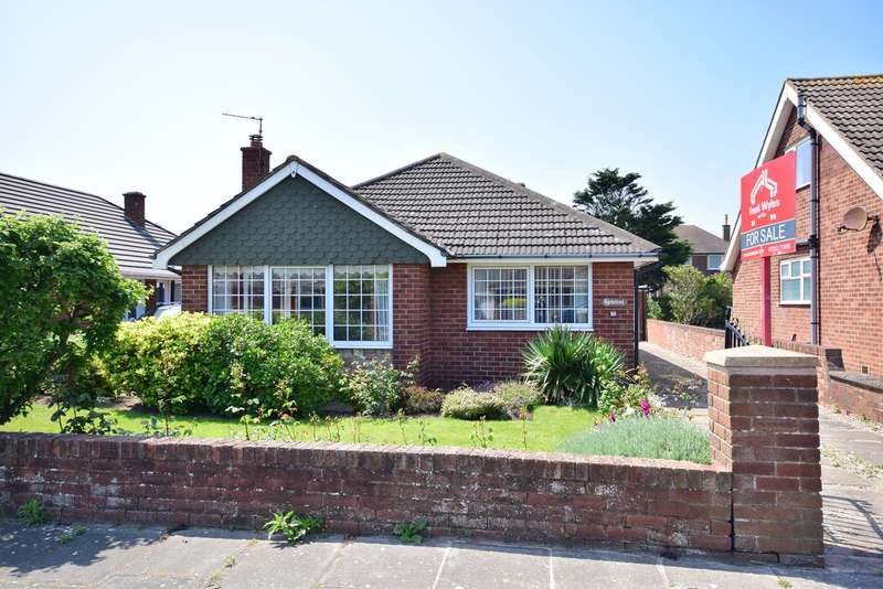 3 Bedrooms Detached Bungalow for sale in Salcombe Road, Lytham St Annes, FY8
