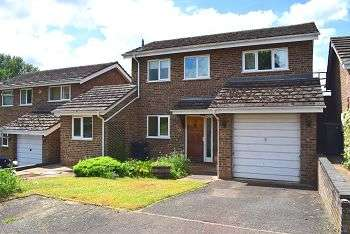 4 Bedrooms House for sale in East Butterfield Court, Northampton, NN3 8JG