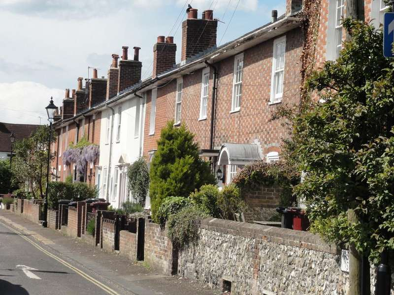 2 Bedrooms Terraced House for sale in Washington Street, Chichester