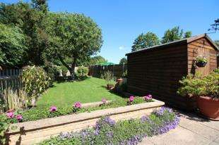 3 Bedrooms Semi Detached House for sale in Kent House Lane, Beckenham, Kent, Uk