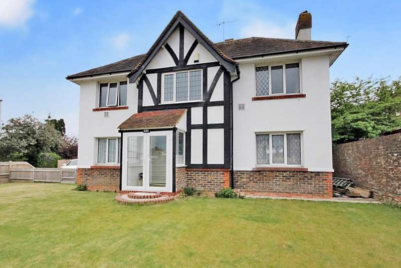 3 Bedrooms Detached House for sale in Upper Brighton Road, Worthing BN14 9JN