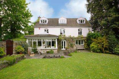5 Bedrooms Detached House for sale in Over Lane, Almondsbury, Bristol, South Gloucestershire