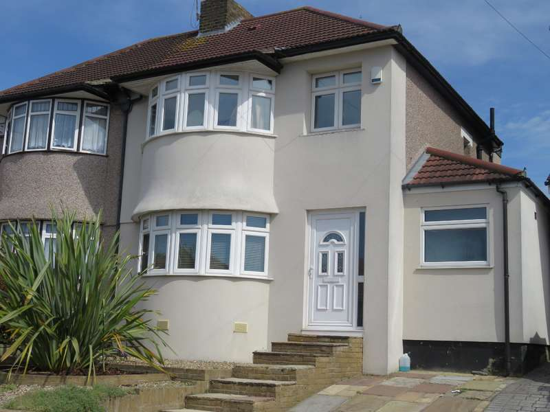3 Bedrooms Semi Detached House for sale in Totnes Road, Welling, Kent DA16 1BU
