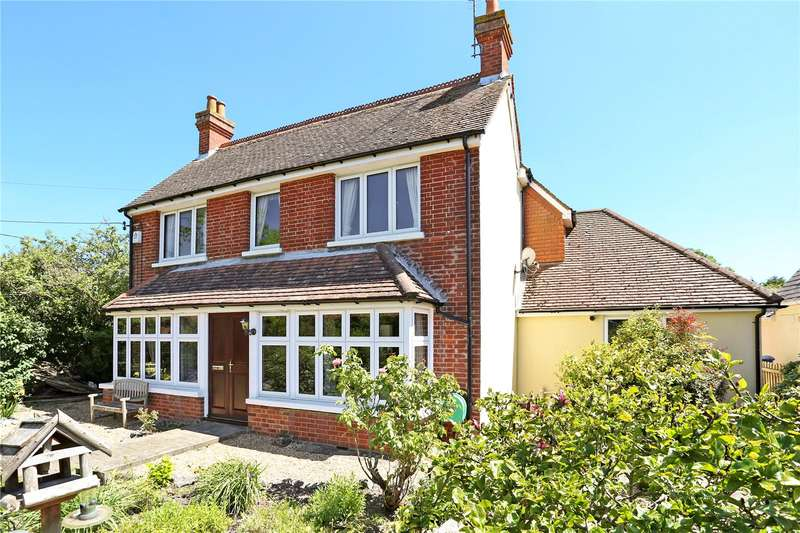4 Bedrooms Detached House for sale in Chequers Lane, Eversley, Hook, Hampshire, RG27