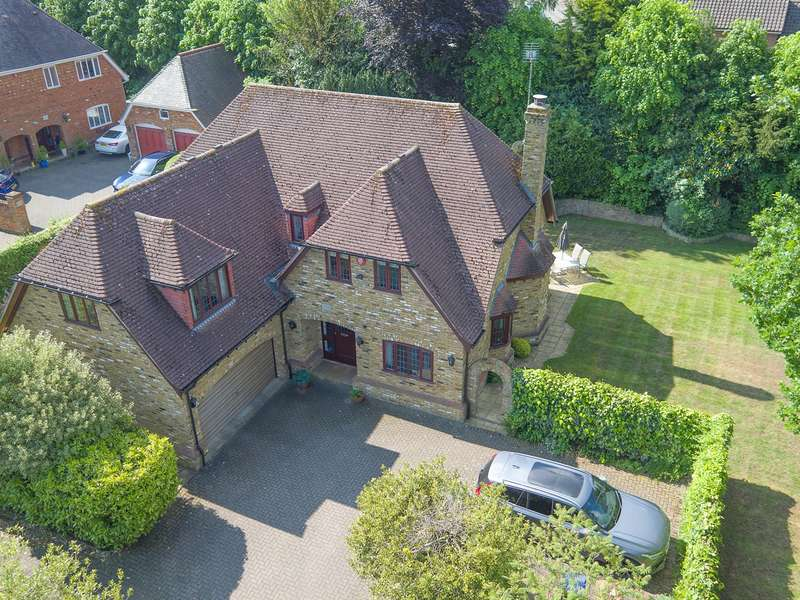 5 Bedrooms Detached House for sale in Digswell Lane, Welwyn, AL6