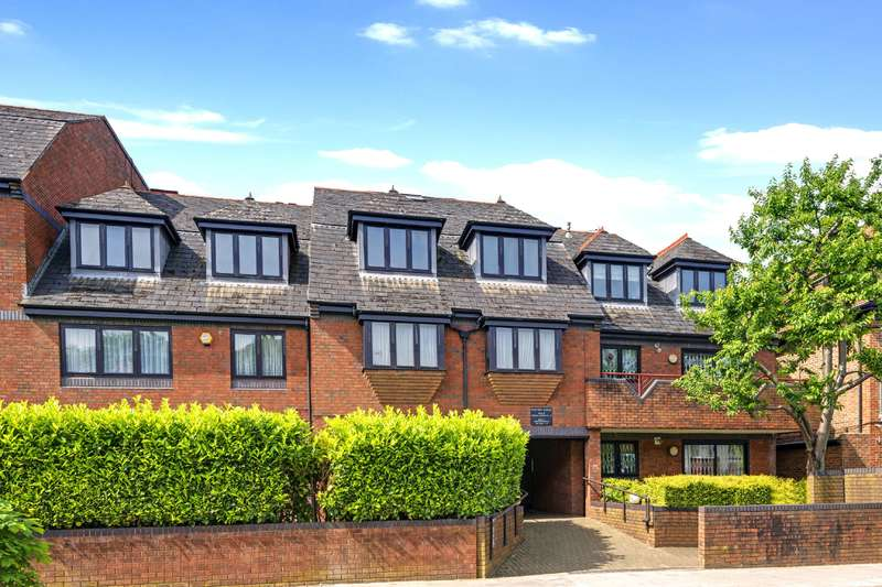 2 Bedrooms Flat for sale in Beechcroft Avenue, Golders Green