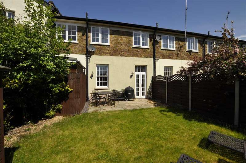 2 Bedrooms Terraced House for sale in Old Court, Chelmsford
