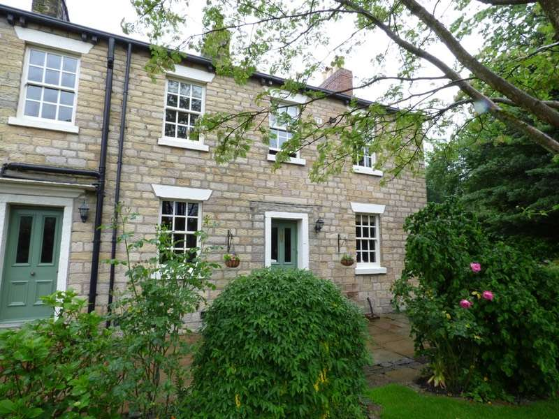 3 Bedrooms Cottage House for sale in Third Street, Bolton, Greater Manchester, BL1