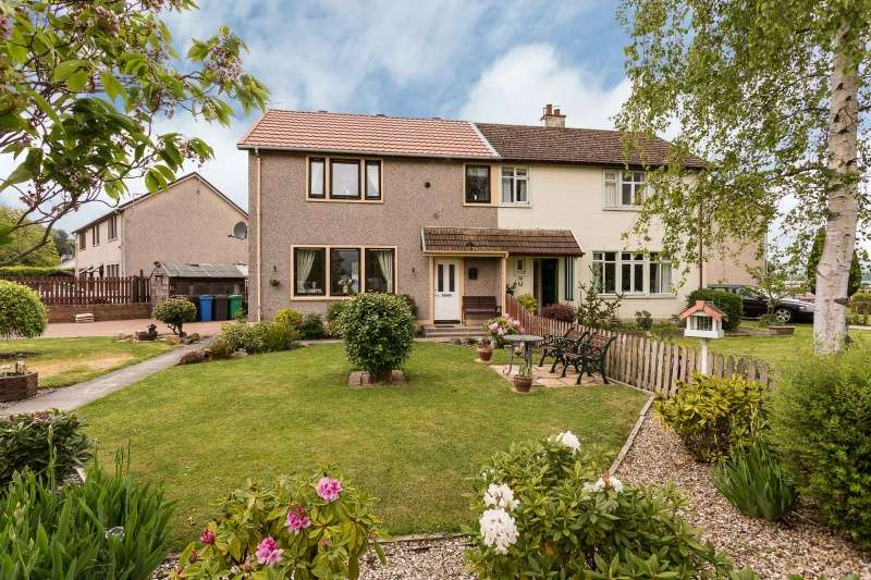 3 Bedrooms Semi Detached House for sale in Abbey Road, Newburgh, Fife, KY14 6JW