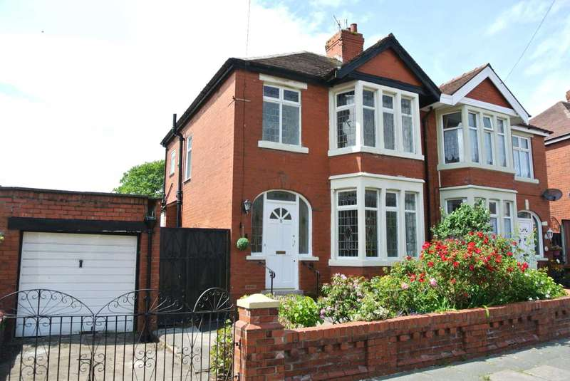 3 Bedrooms Semi Detached House for sale in Pitsdale Avenue, Blackpool, FY3 9QS
