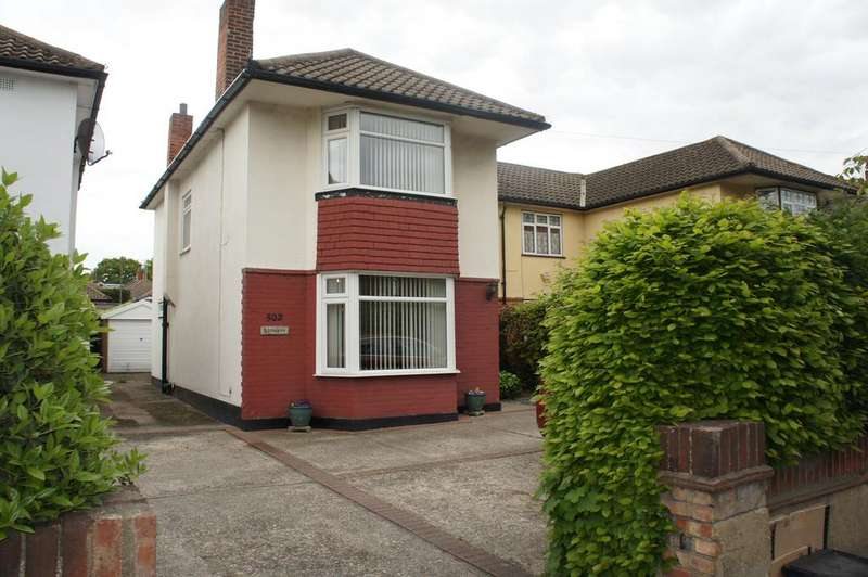 4 Bedrooms Semi Detached House for sale in Rayleigh Road, Leigh-on-Sea SS9
