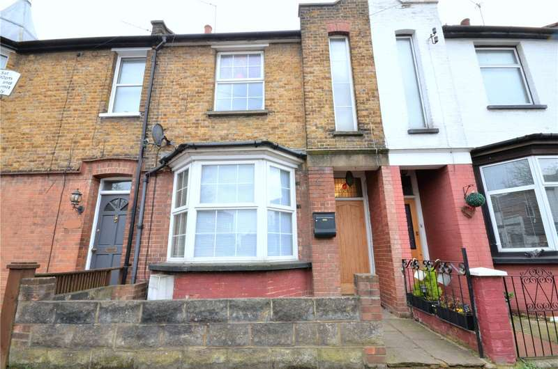 2 Bedrooms Terraced House for sale in Glenhaven Avenue, Borehamwood, Hertfordshire, WD6