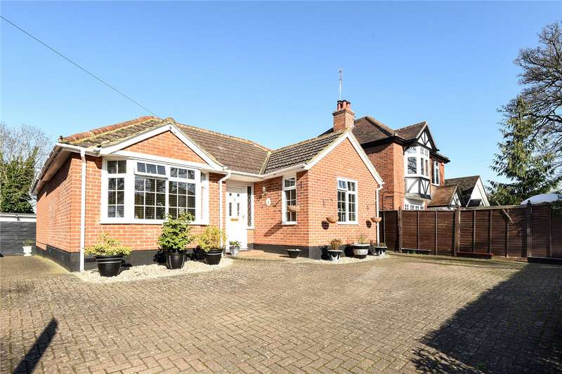 3 Bedrooms Detached Bungalow for sale in Reading Road, Wokingham, Berkshire, RG41