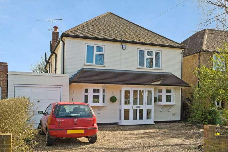 4 Bedrooms Detached House for sale in Heathside, Esher, Surrey, KT10